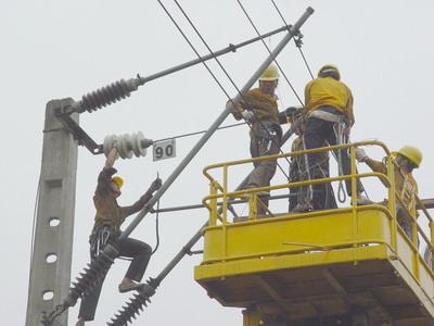 铁路供电班(工程) 培养供用电系统和电气设备的安装,调试,维修与运行